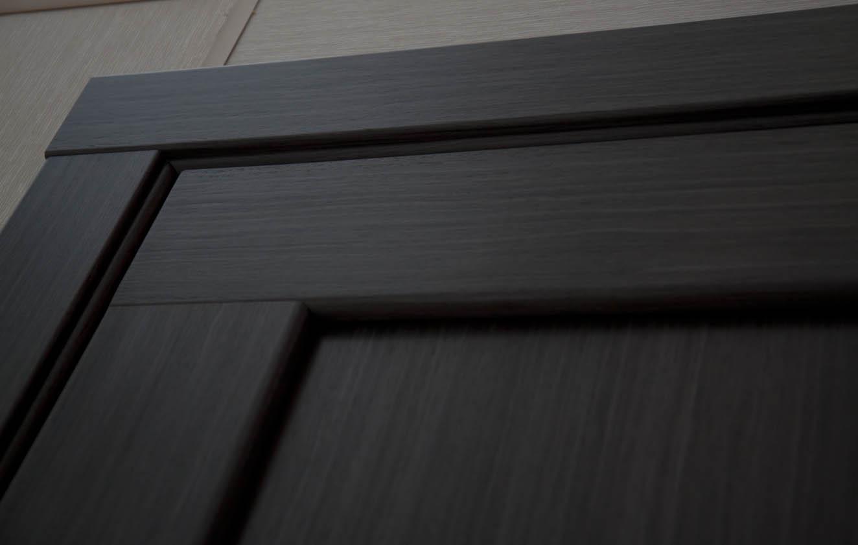 Как отмыть покрытую лаком дверь